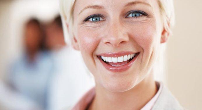 Adjusting to Dentures: The First 30 Days | Hudsonville MI